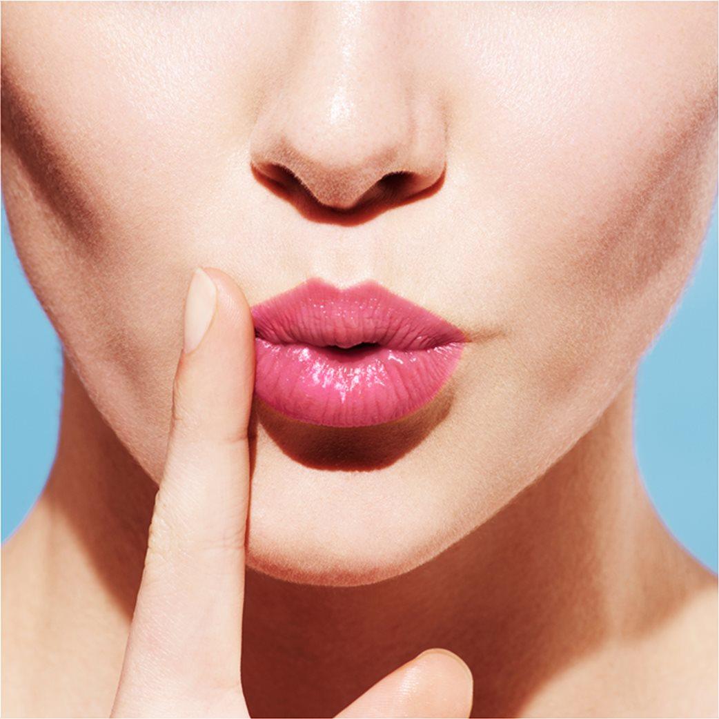 L'Occitane En Provence Fruity Lipstick 070 Flamingo Kiss 2.8 gr  4