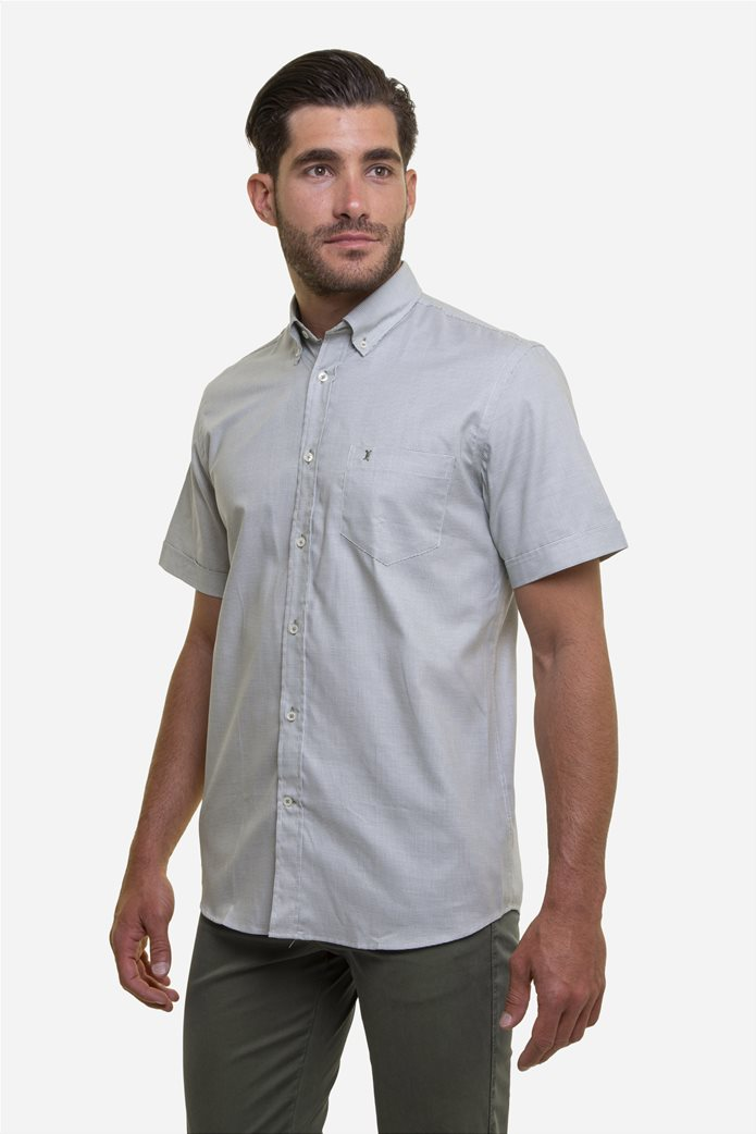 The Bostonians ανδρικό κοντομάνικο πουκάμισο με καρό μικροσχέδιο και κεντημένο logo Γκρι 1