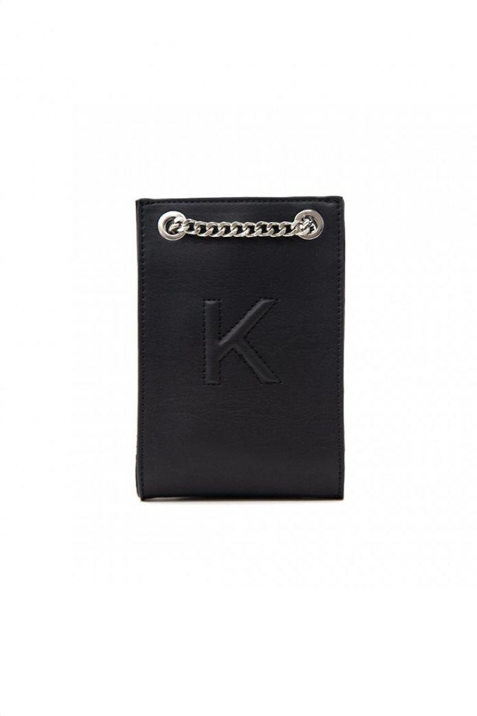 "Kendall + Kylie γυναικείο τσαντάκι crossbody με ανάγλυφο λογότυπο ""Sandra"" 1"