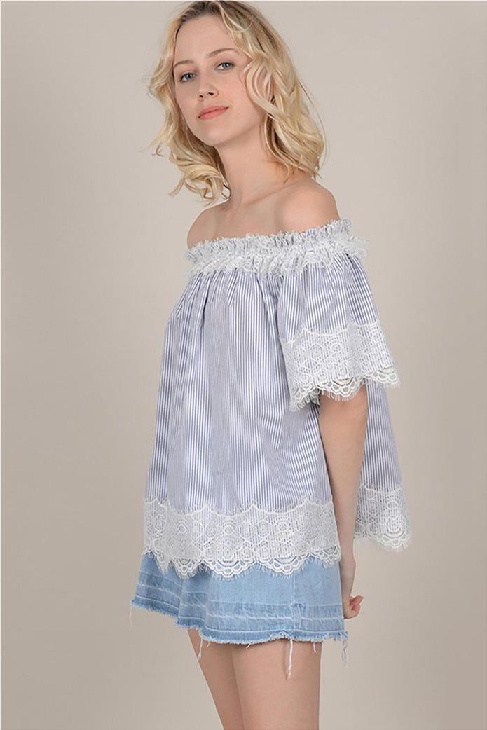 Molly Bracken γυναικεία ριγέ μπλούζα με carmen λαιμόκοψη και δαντέλα 0