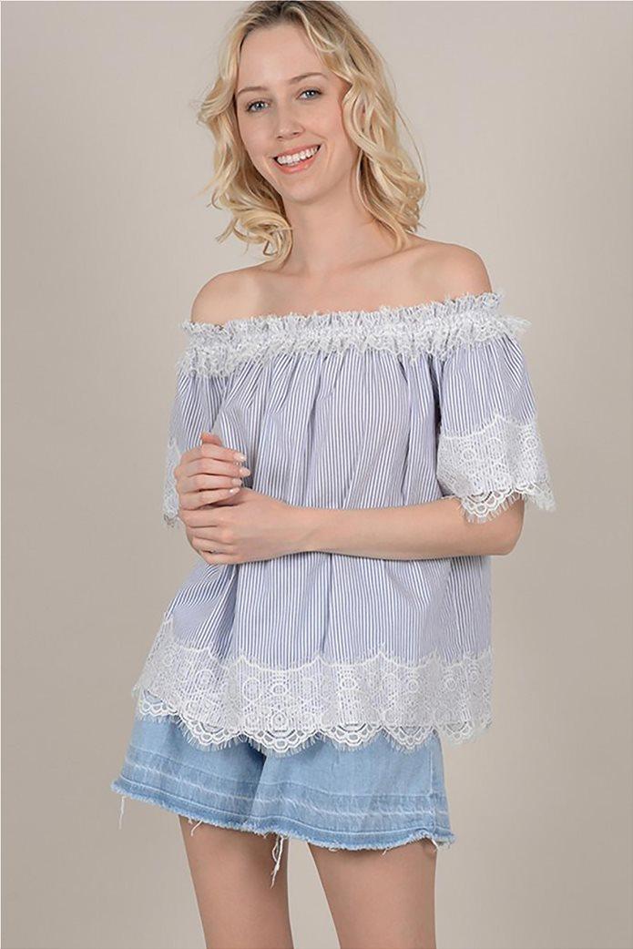 Molly Bracken γυναικεία ριγέ μπλούζα με carmen λαιμόκοψη και δαντέλα 2