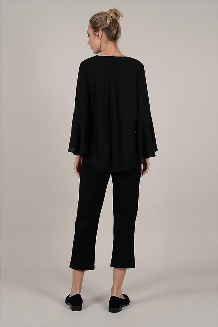 Molly Bracken γυναικεία μπλούζα με διακοσμητικό κολιέ 1