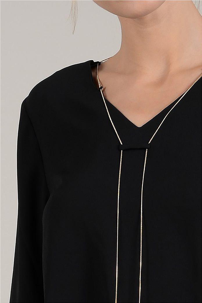 Molly Bracken γυναικεία μπλούζα με διακοσμητικό κολιέ 2