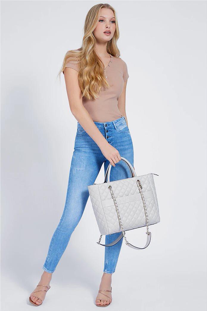 """Guess γυναικεία τσάντα ώμου καπιτονέ με ανάγλυφο λογότυπο """"Illy"""" Εκρού 0"""
