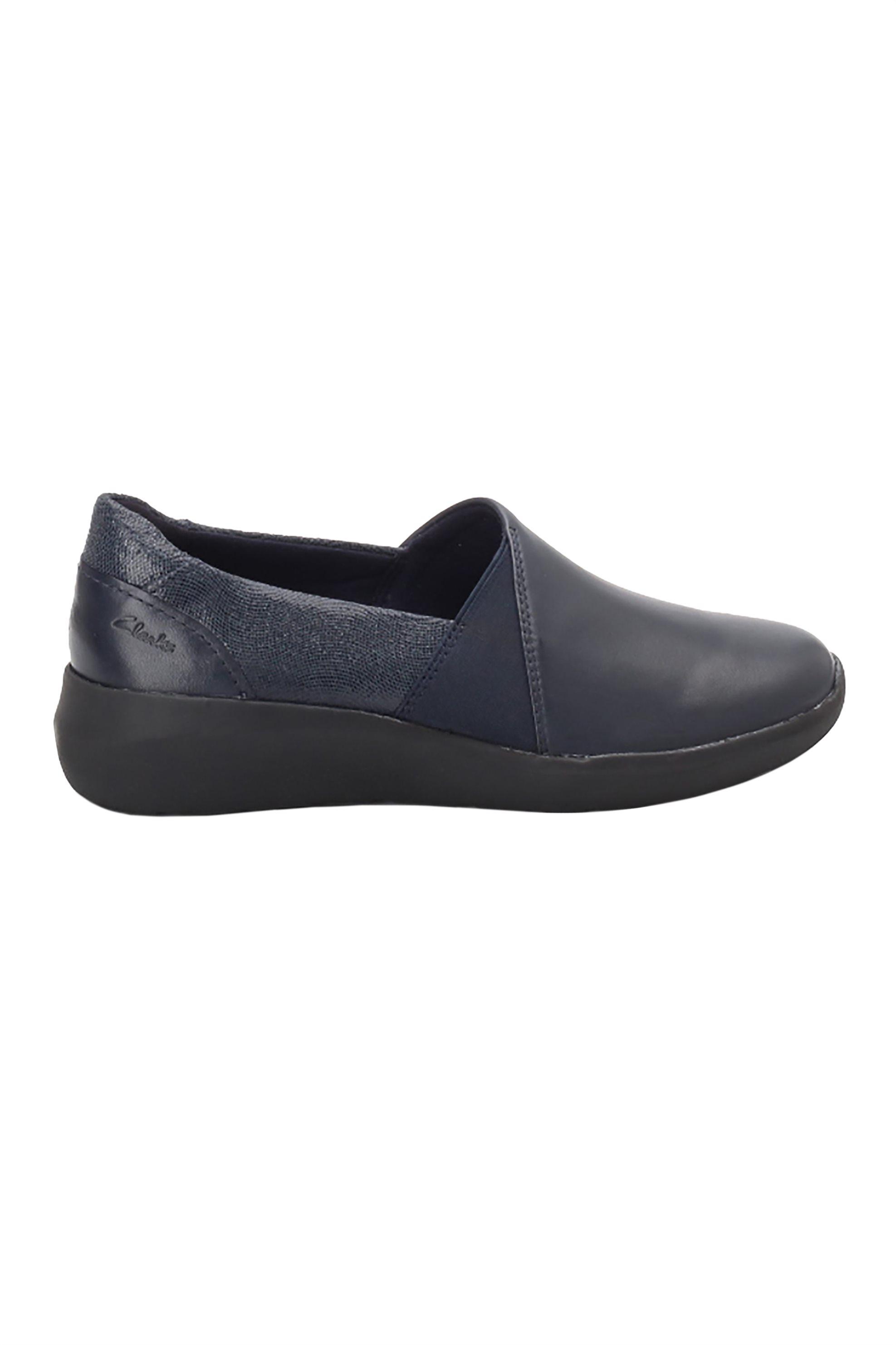 "Clarks γυναικεία loafers με μεταλλιζέ λεπτομέρεια ""Kayleigh Step"" – 26153202 – Μπλε Σκούρο"