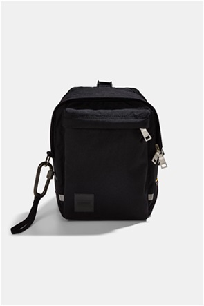 Esprit ανδρική τσάντα ώμου μονόχρωμη με logo patch