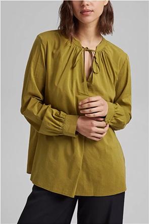 Esprit γυναικεία μπλούζα μονόχρωμη με δέσιμο στη λαιμόκοψη