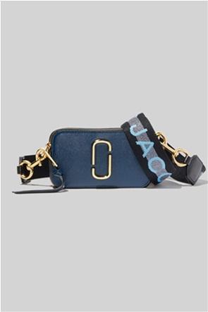 "Marc Jacobs γυναικείο δερμάτινο mini bag colourblocked με μεταλλικό logo ""The Logo Strap Snapshot"""