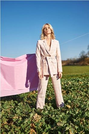 Orsay γυναικείο σακάκι καρό με ζώνη