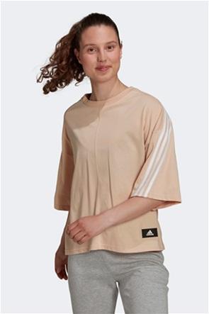 "Adidas γυναικείο T-shirt με logo patch "" Sportwear Future Icons 3-Stripes"""