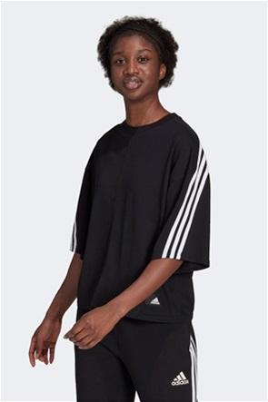 "Adidas γυναικείο T-shirt με logo patch ""Sportwear Future Icons 3-Stripes"""