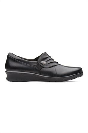 "Clarks γυναικεία παπούτσια με σούρα και κουμπί ""Hope Roxanne"""
