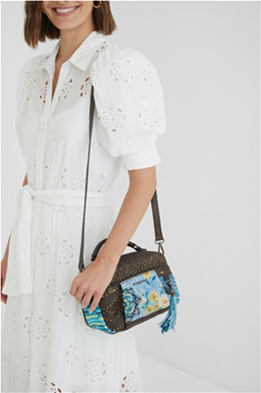 Desigual  γυναικεία τσάντα crossbody με floral print και διακοσμητικά τρουκς ''Freyja Zanzibar''