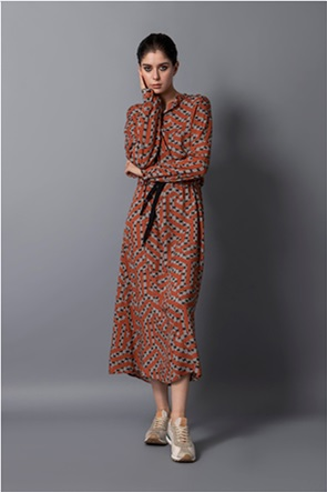 Helmi γυναικείο midi φόρεμα με all-over print και ζώνη