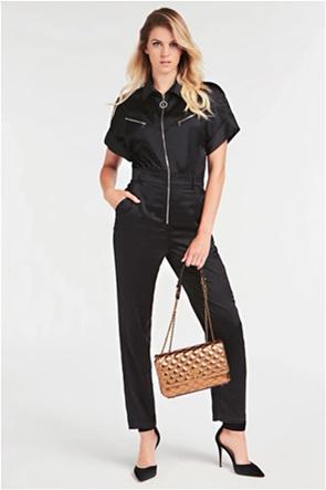 """Guess γυναικεία crossbody τσάντα καπιτονέ με μεταλλικό λογότυπο """"Cessily"""""""