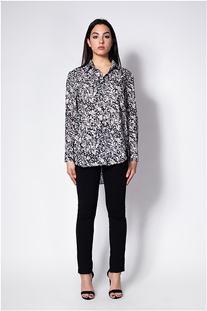 She is γυναικείο πουκάμισο με all-over print