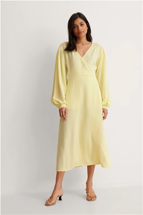 NA-KD γυναικείο midi φόρεμα κρουαζέ με puff μανίκι και ζώνη στη μέση