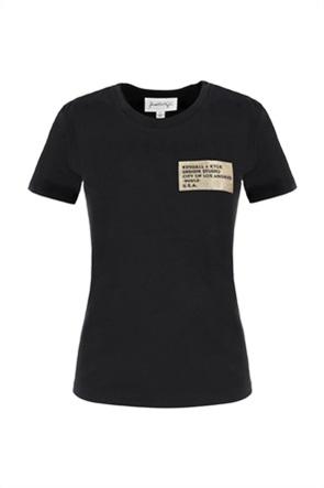 Kendall + Kylie White γυναικείο T-shirt με μεταλλιζέ logo patch