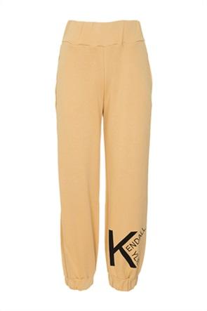 Kendall + Kylie White γυναικείο παντελόνι φόρμας με contrast λογότυπο