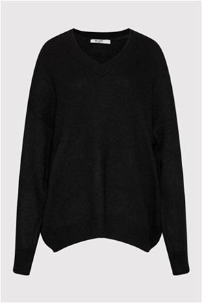 NA-KD γυναικείο πουλόβερ oversized με V λαιμόκοψη
